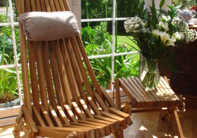 NorDeck Oak chair and table
